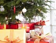 Sustainable christmas gifts under a tree